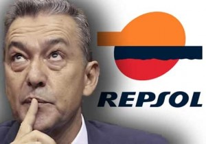 elcotarro - Paulino Rivero con el logotipo de Repsol