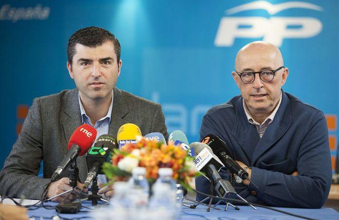 FOTO 2.- Manuel Domínguez con Pedro Suárez