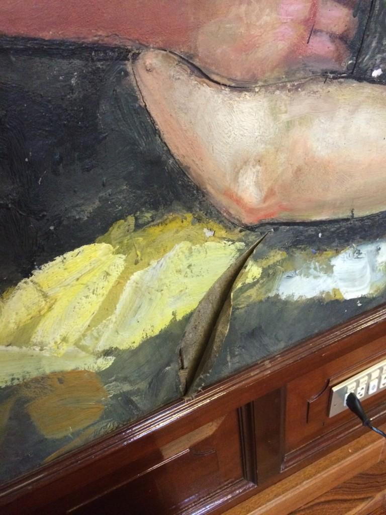 FOTO 3.- Pintura rota de José Aguiar