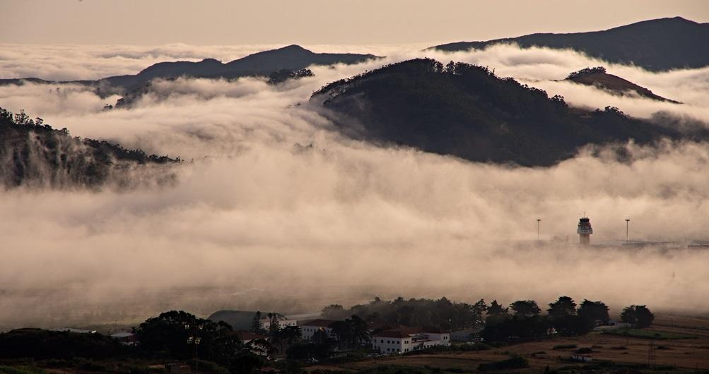 FOTO 10.- La nube de Los Rodeos