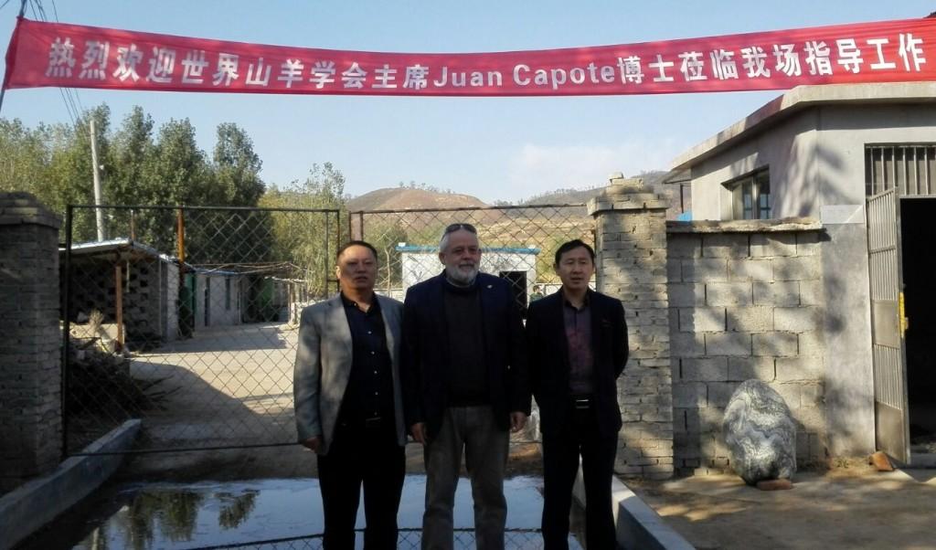 FOTO 4.- Juan Capote Álvarez en China