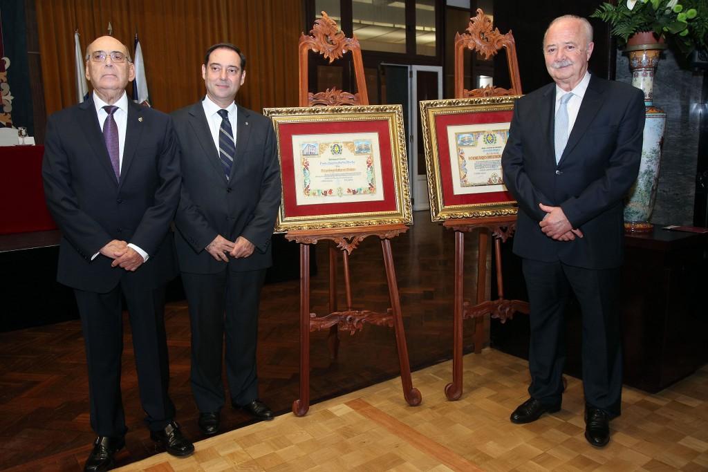 FOTO 1.- Premios en el Real Casino