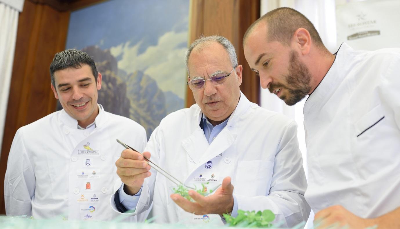 FOTO 3.- Narvay con Casimiro y Braulio
