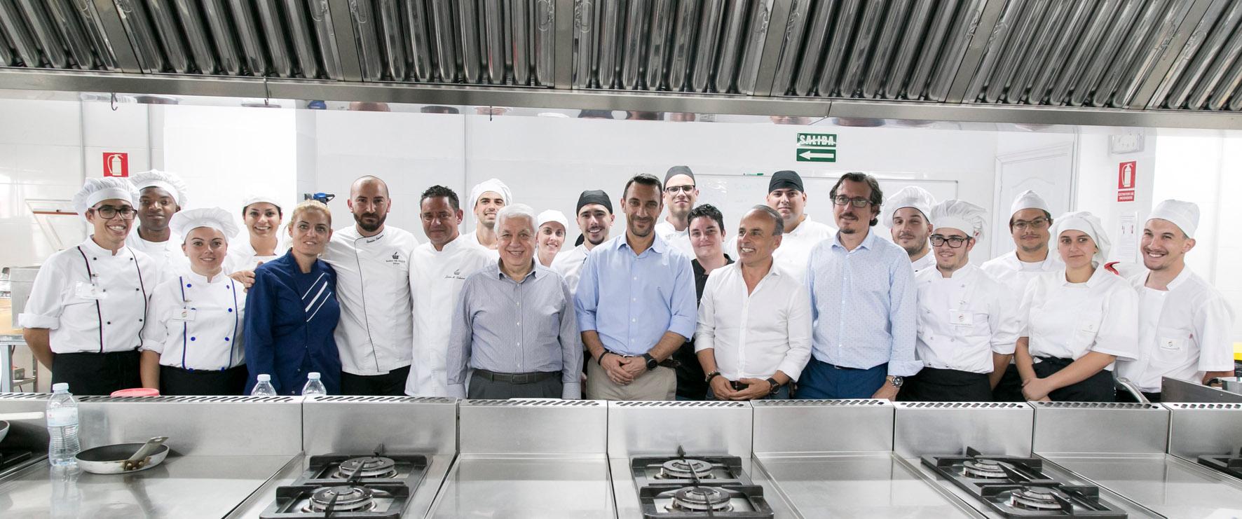 FOTO 3.- COCINEROS FOCA