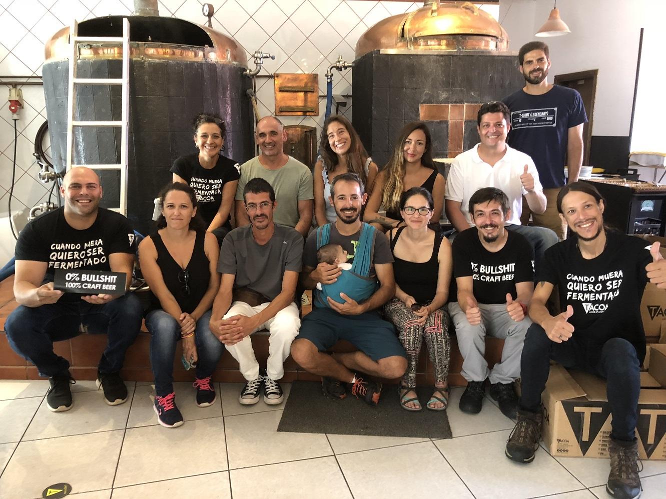 FOTO 2.- 7 ISLAS FAMILIA