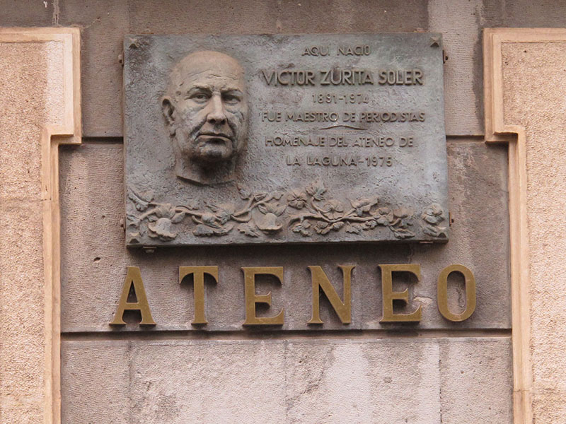 FOTO 1.- PLACA ATENEO