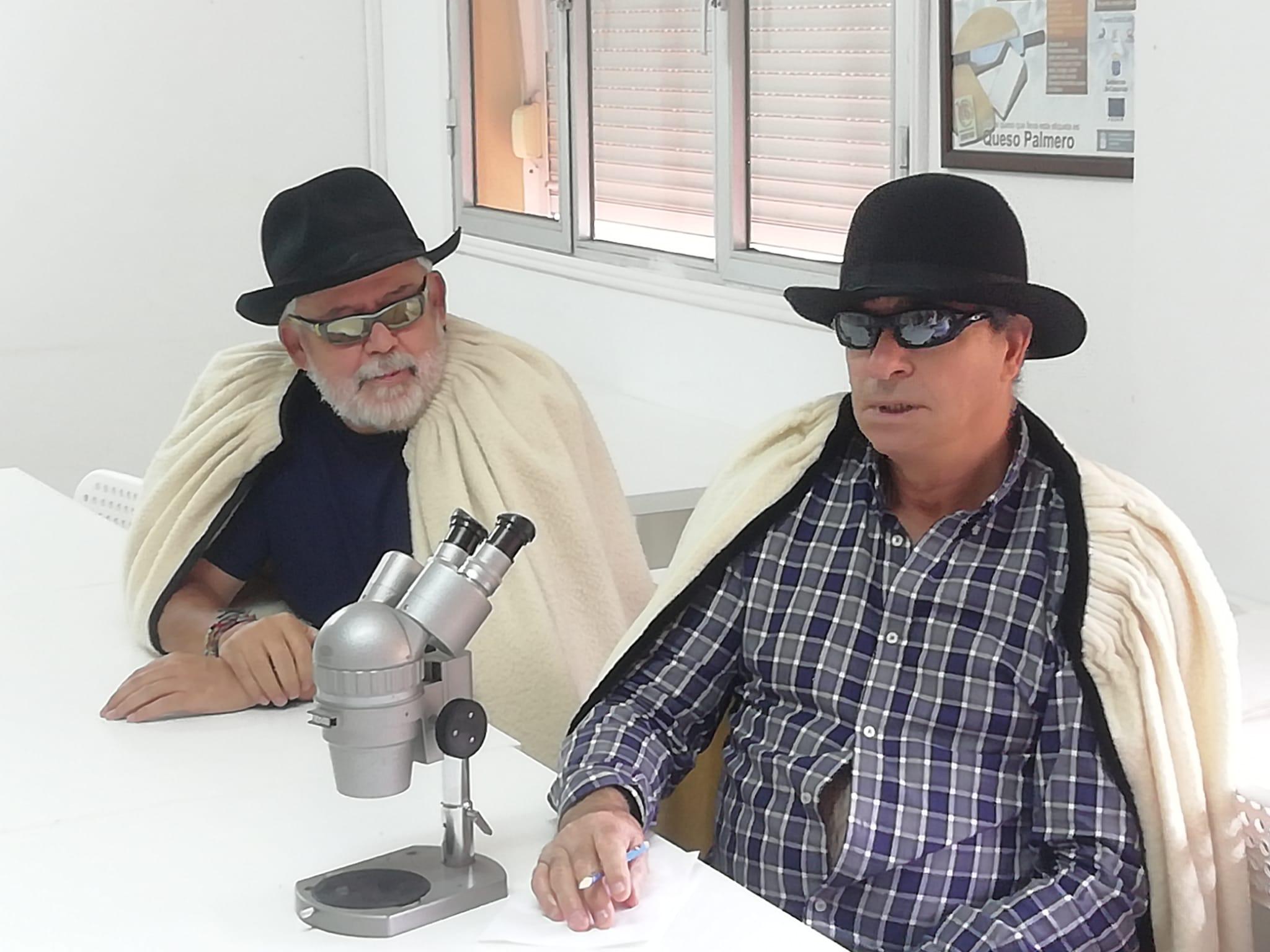 FOTO 2.- CAPOTE Y FÓSFORO